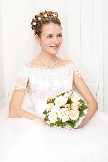 В ЗАГСе. Невесты