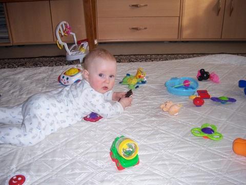 Играю;))). Дети с игрушками