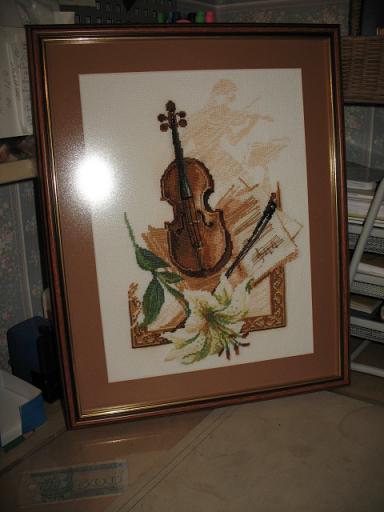 Скрипка. Вышитые открытки