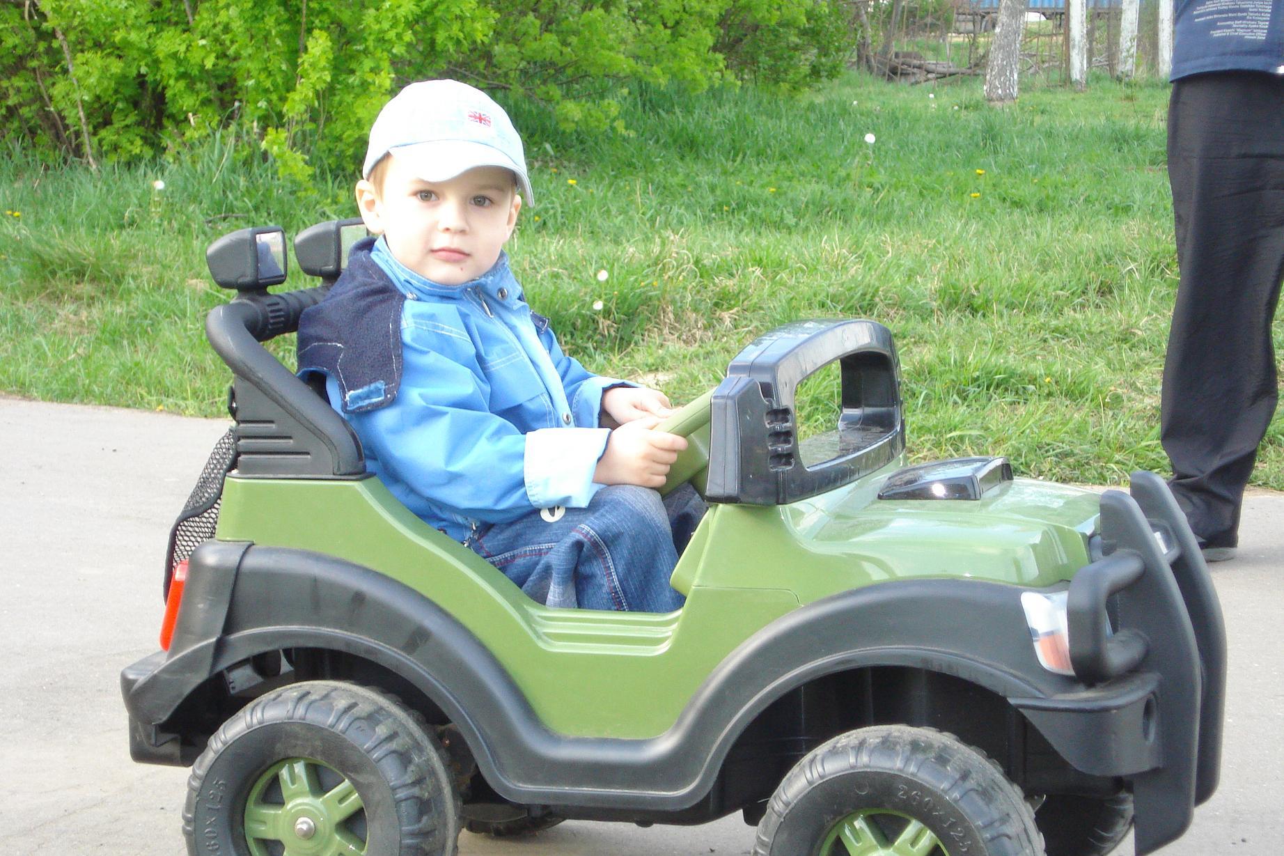 Автомобили, автомобили ужасно все заполонили.... Дети и техника