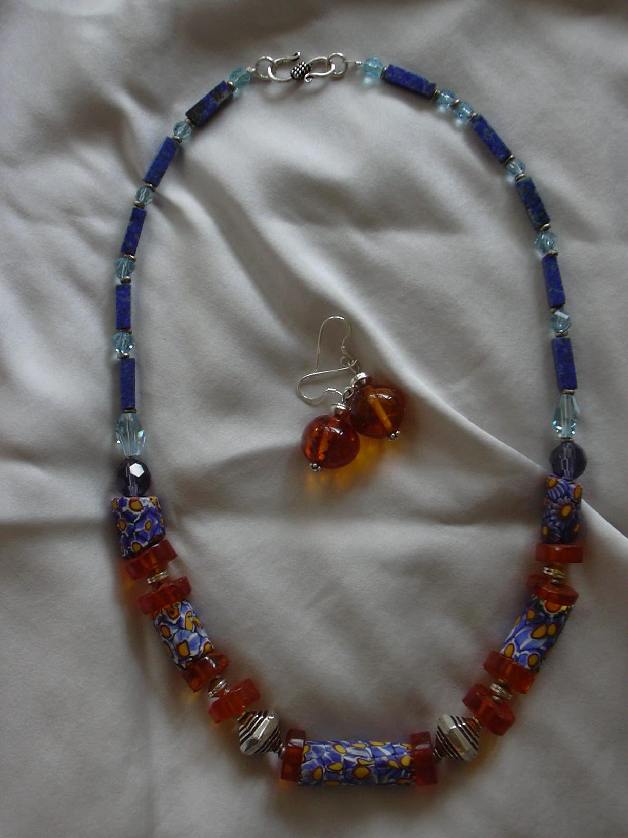 Бусы из Trade Beads с янтарем и серебром. Поделки из природного материала