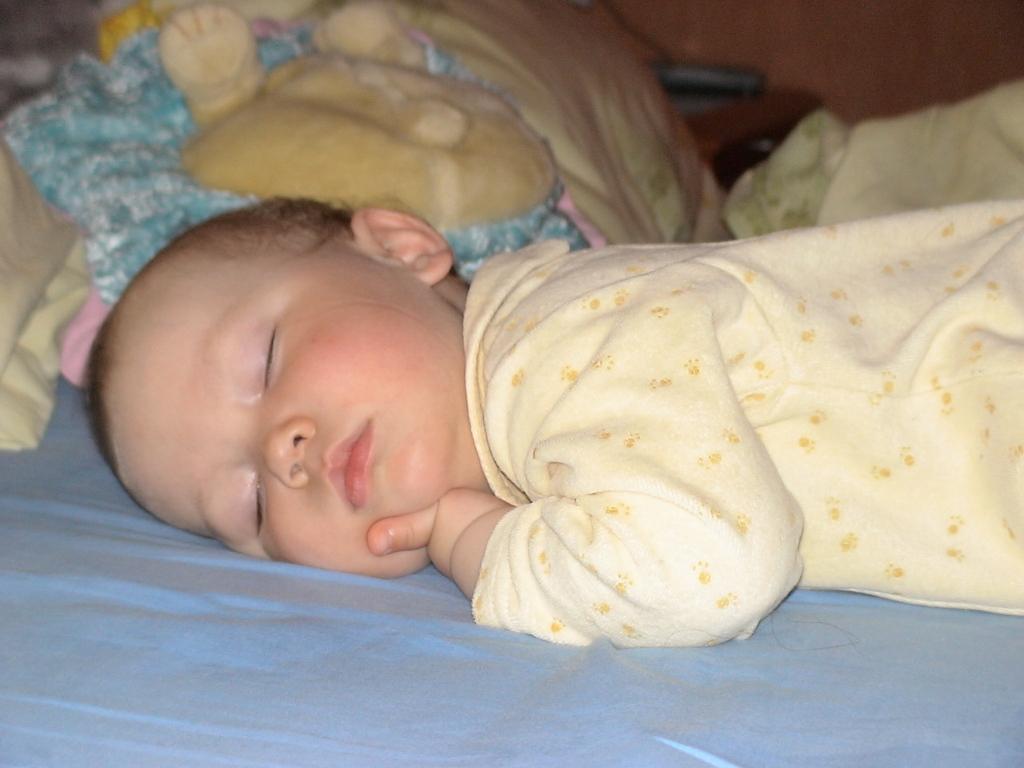 Сладкий сон. Спящие дети