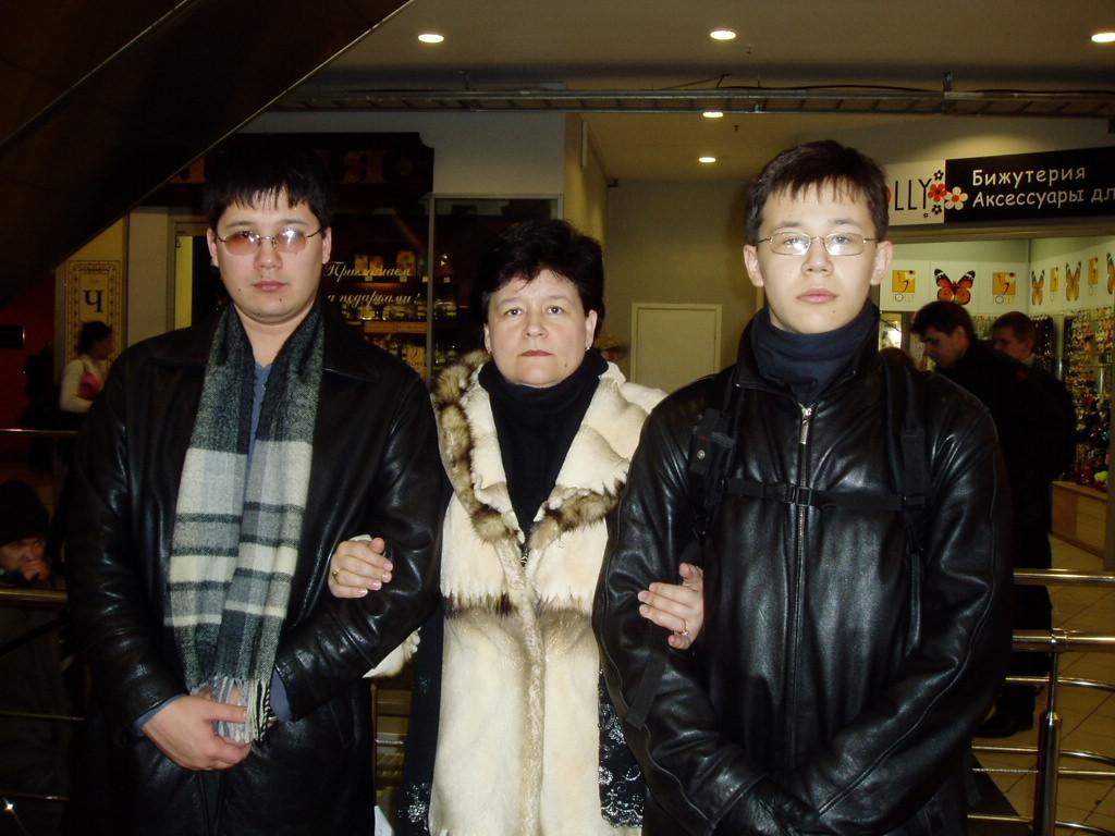Это я с сыночками. Вместе с мамой