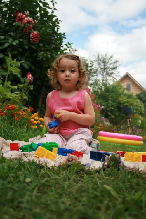 Кудряшка хочет в Лего-Ленд. Дело техники
