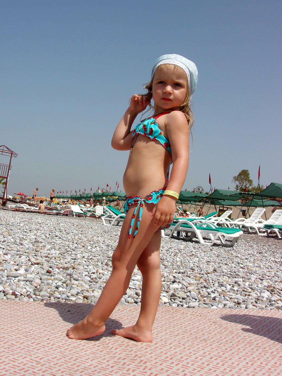 Мое первое бикини с морем цвета одного. Мини-бикини