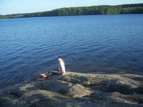 ...на скале.... Отдых у воды