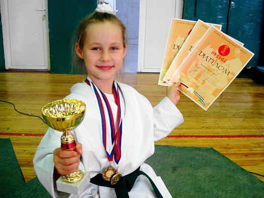 Ангелина-победитель соревнования 'КУБОК УРАЛА'. Юные спортсмены