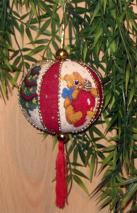 Новогодний шарик. Рождественские и новогодние мотивы