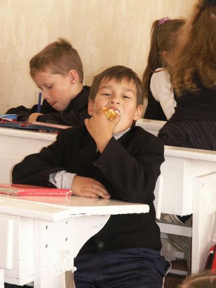 Школа школой, а обед по рассписанию!. Моя школа