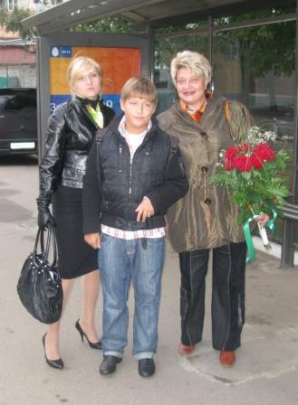 куртка от Х*змы, цветы от Насти СоВы.