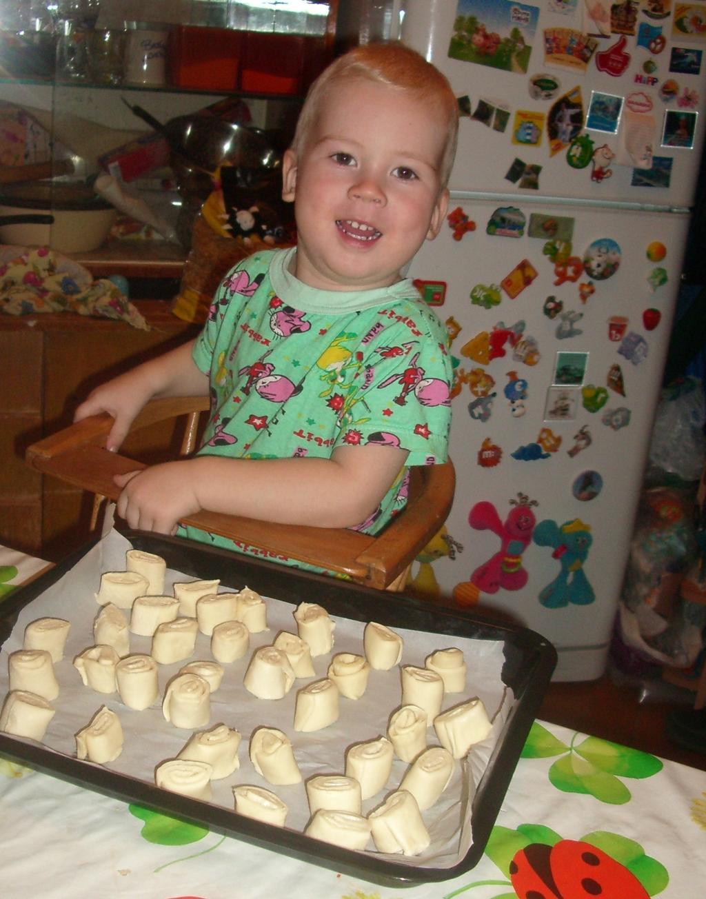Я бы в пекари пошел.... Готовим вместе с мамой