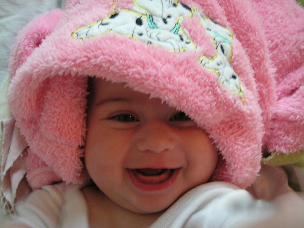 'день со счастья начинается-Счастье маме улыбается'. Время улыбаться