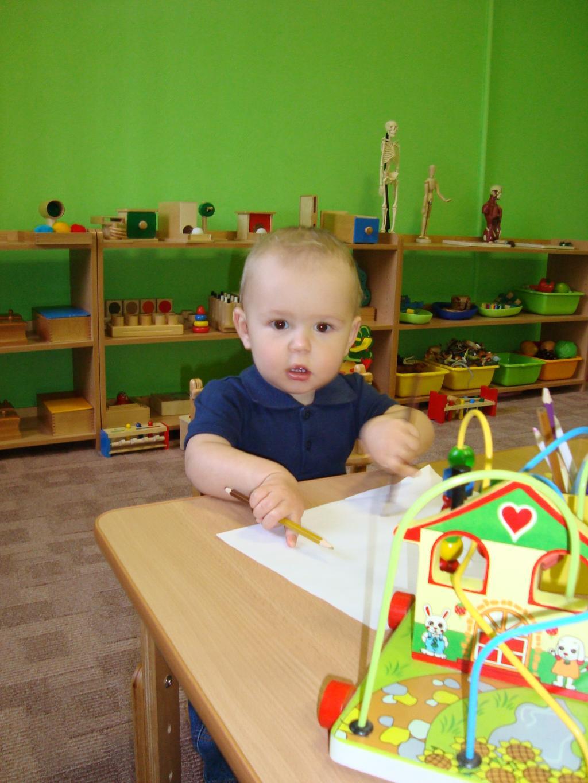 Кирюша очень любит рисовать в детском саду.. Мой любимый детский сад