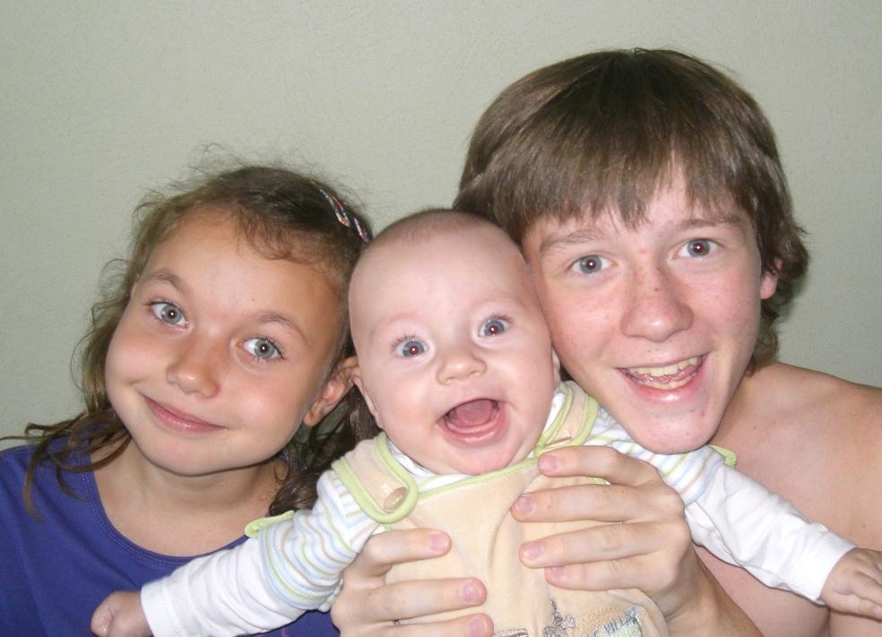 Братья+сестра. Время улыбаться