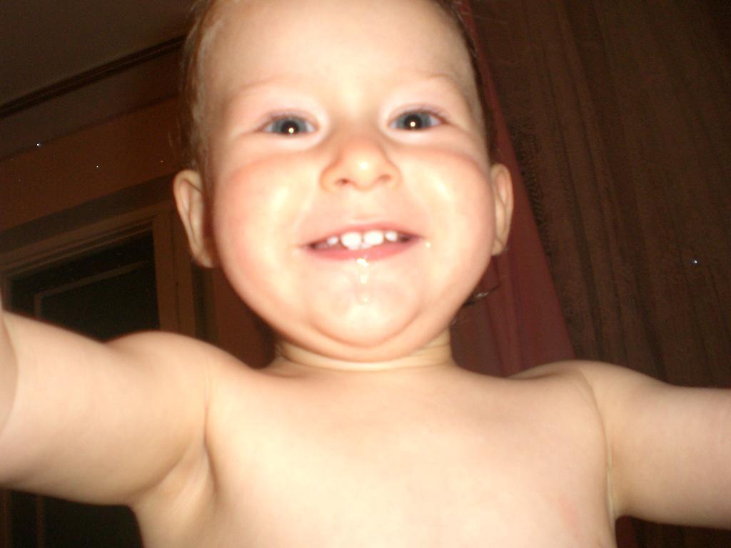 я всегда улыбаюсь))). Время улыбаться