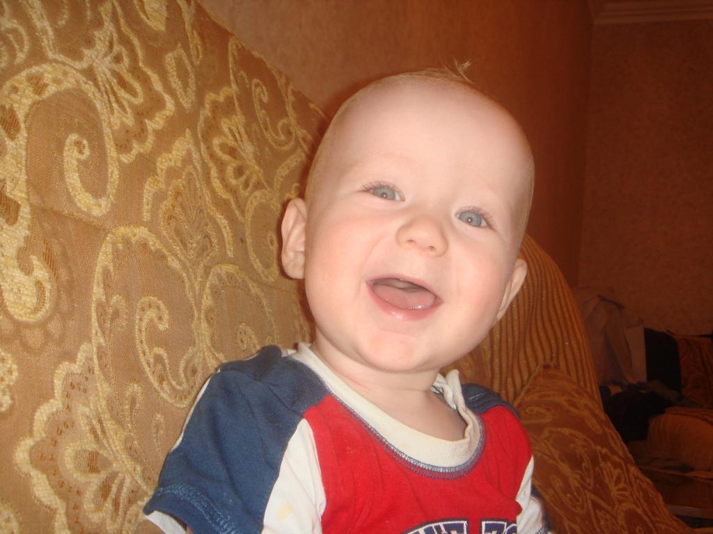 Детская улыбка очищает души. Время улыбаться