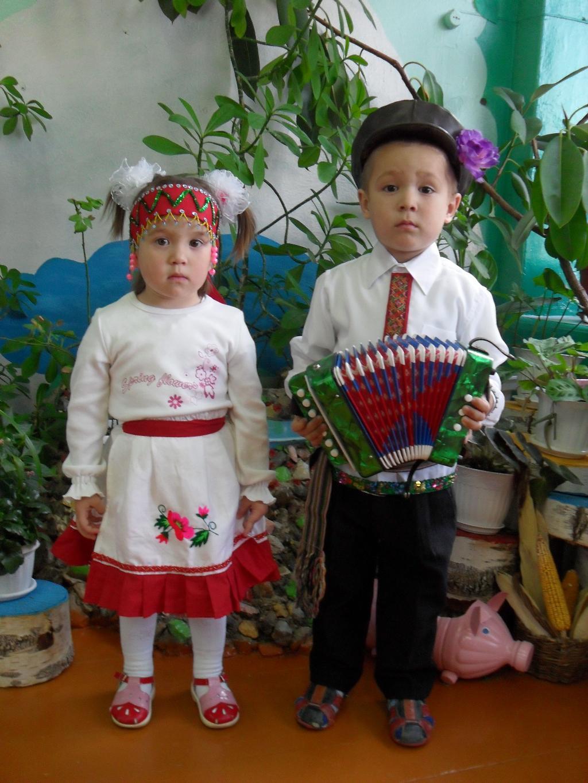 'Заиграл я на гармошке, Юленька, ты запевай!'. Мой любимый детский сад