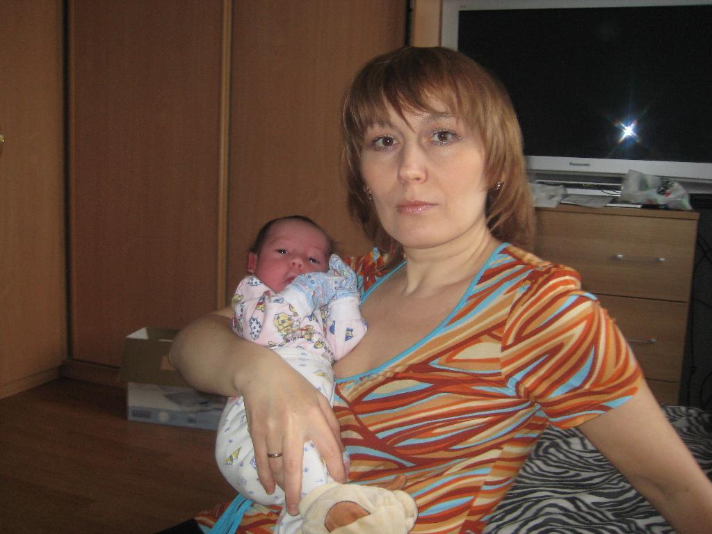 Максим с бабушкой. Стар и мал