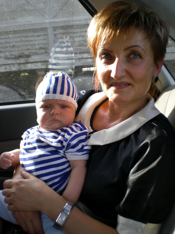 Очень бабушку свою, маму мамину люблю!!!. Стар и мал