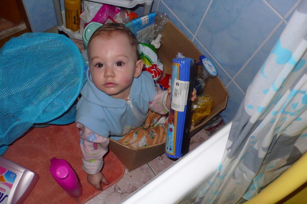 Уборка в ванной. Субботник