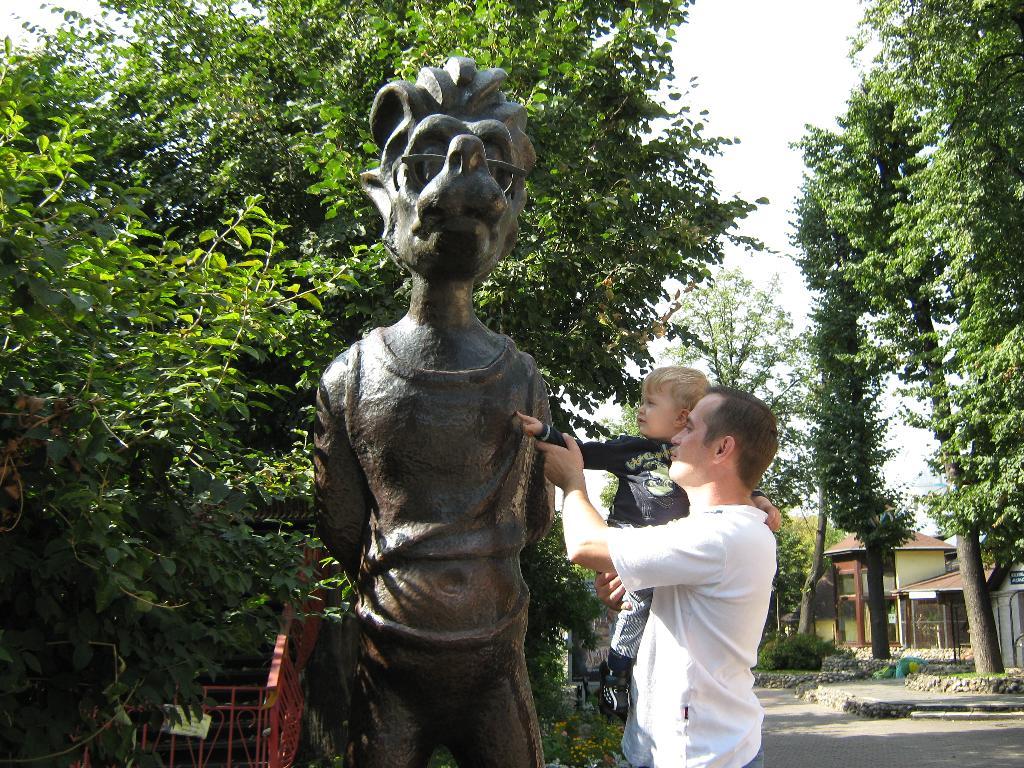 'Я бы в скульпторы пошел,пусть меня научат!!!'.