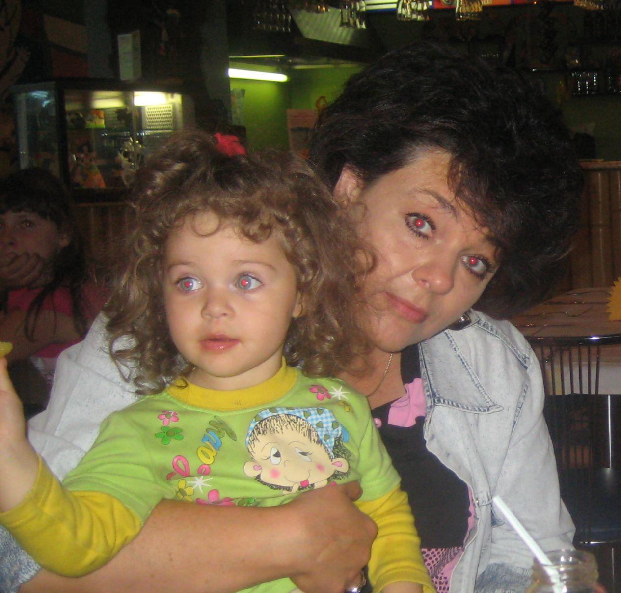 Лола и бабуля. Стар и мал