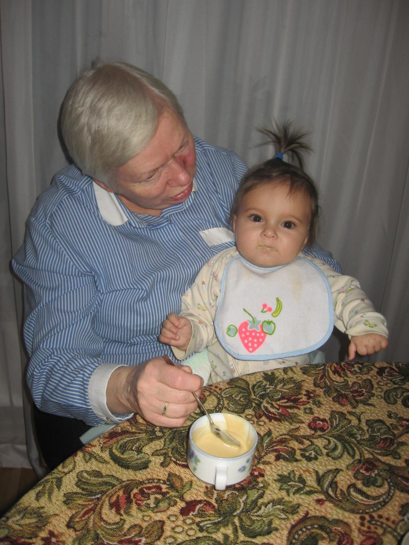 с бабушкой подчиваем. Стар и мал