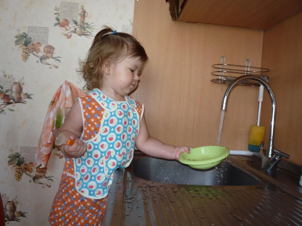 Виктория, 1 год 6 мес., г.Н.Новгород. Субботник