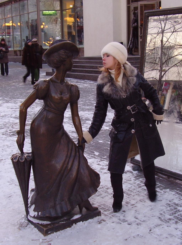 Нет, я красивее!. Я бы в скульпторы пошел...