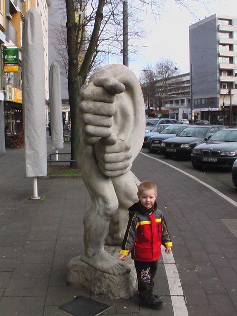 Я и памятник!. Я бы в скульпторы пошел...
