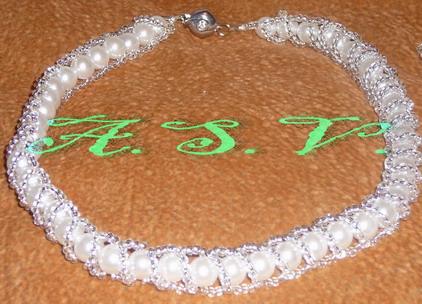 Жемчужное ожерелье. Украшения из бисера