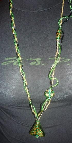 Бусы Зеленая волна. Украшения из бисера
