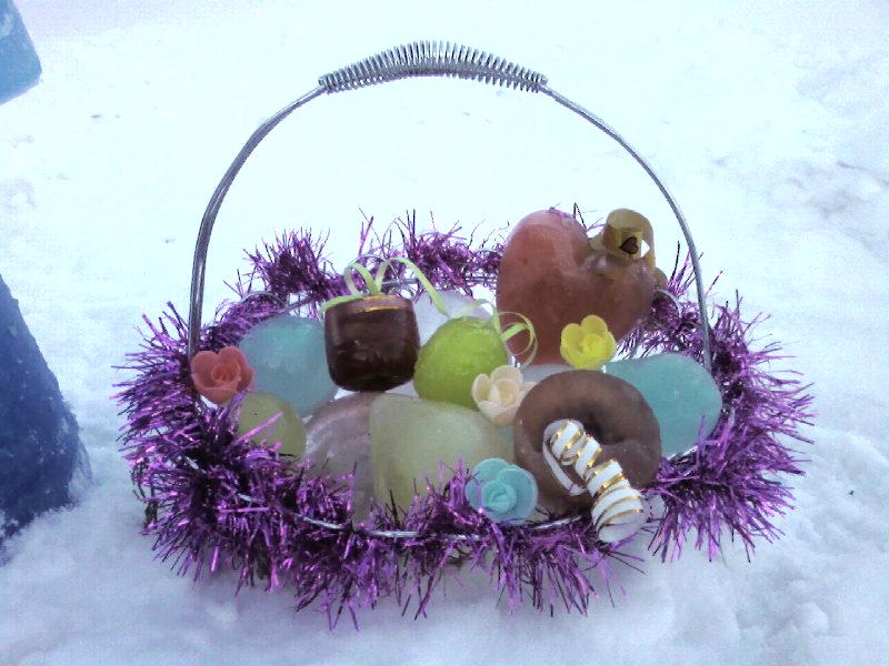 рождественская корзина. Дети на прогулке
