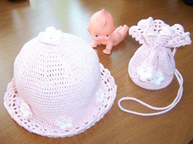 Комплект для маленькой модницы. Шапки, шляпки, панамки и др.  вязаные головные уборы
