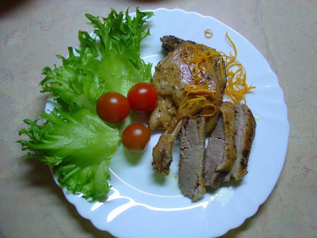 Утка в мандариновом соусе и салат фриллис. Кулинария