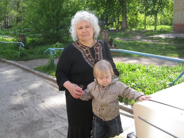 Богдашка с любимой Бабушкой. Внучата