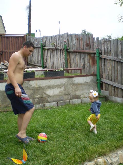 В России нет еще пока команды лучшей, чем ПАПА И Я!!!. Дети на прогулке