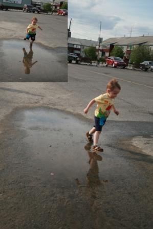 И вода по асфальту рекой. Дети на прогулке