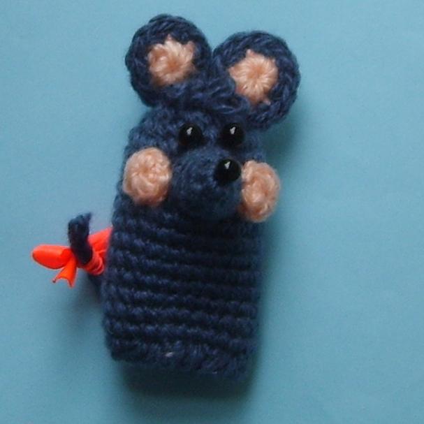Мышка. пальчиковая кукла. Вязаные игрушки