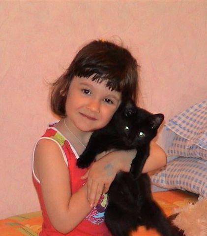 Мой любимый Тишка!. Ребенок и   котенок