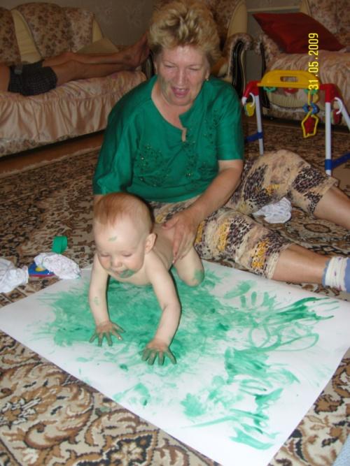 первый урок рисования, с бабулей.