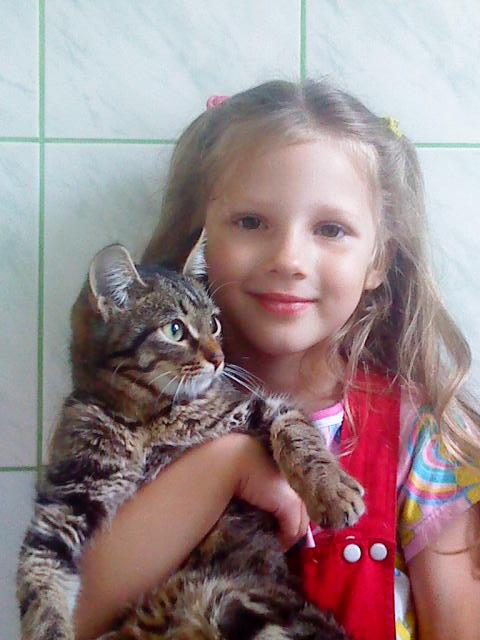 алекс. Ребенок и   котенок