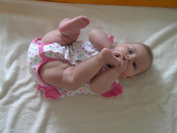 Ура! у меня есть ножки!. Пробуем на зуб!