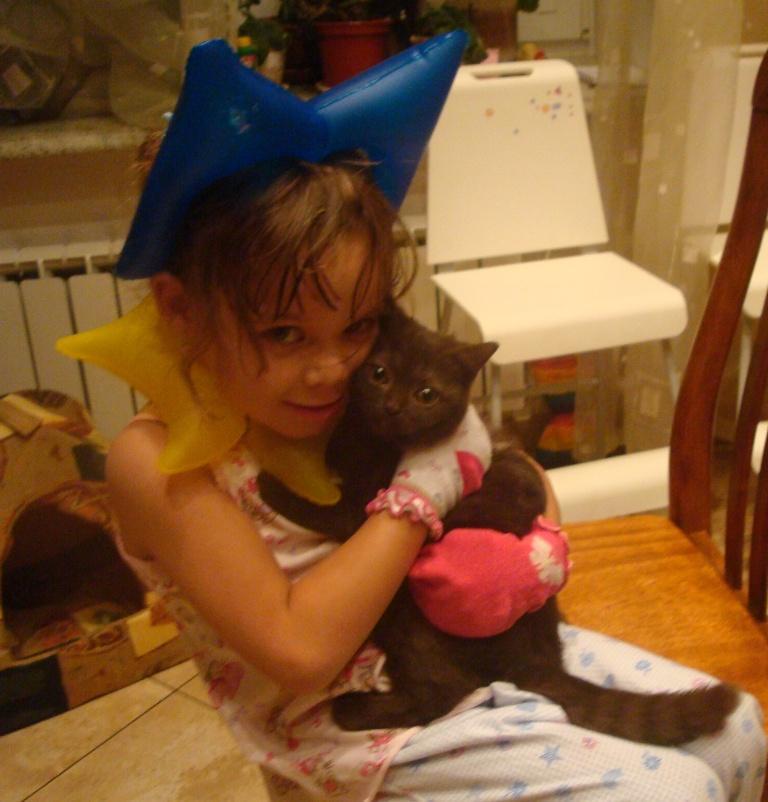 Катя и котя. Ребенок и   котенок