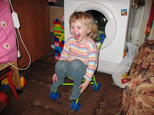 а я и так могу покататься..... Дети в колясках