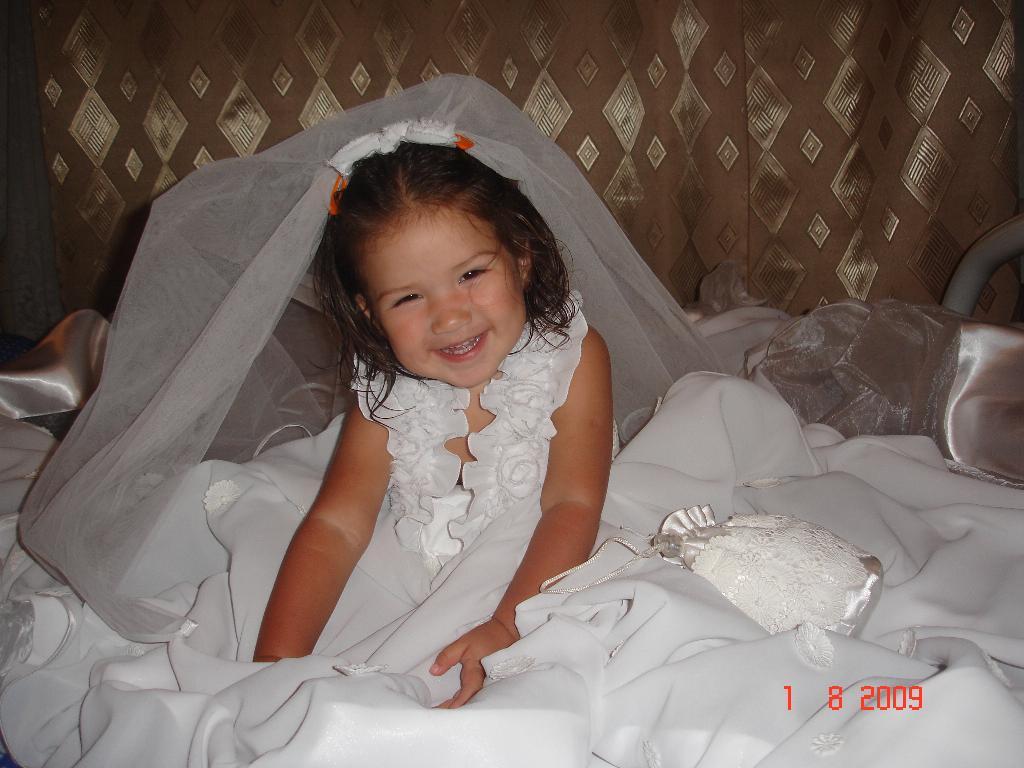 Свадебное платье. Маленькая модель