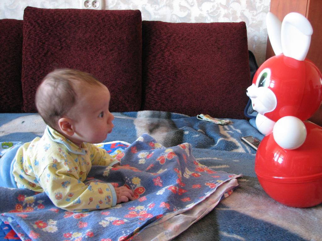 Миша и зайчик. Мои игрушки