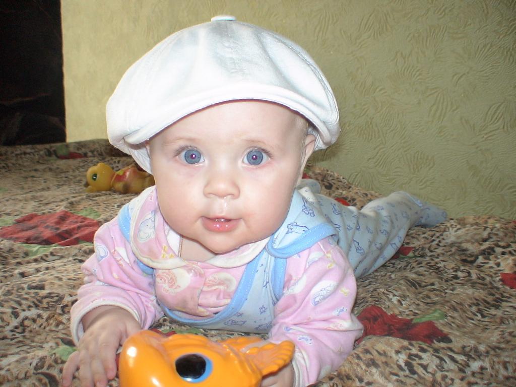 младшенькая доченька Таисия. Мои игрушки