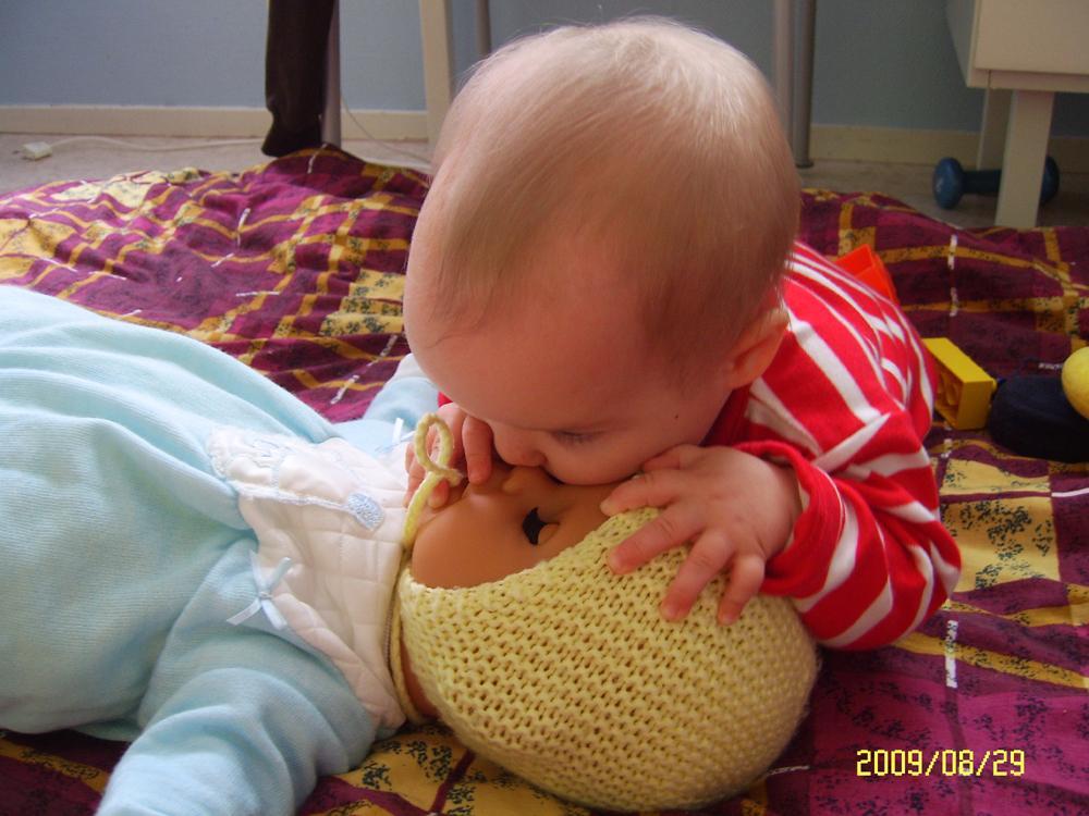 'Поцелуй любимой кукле'. Мои игрушки
