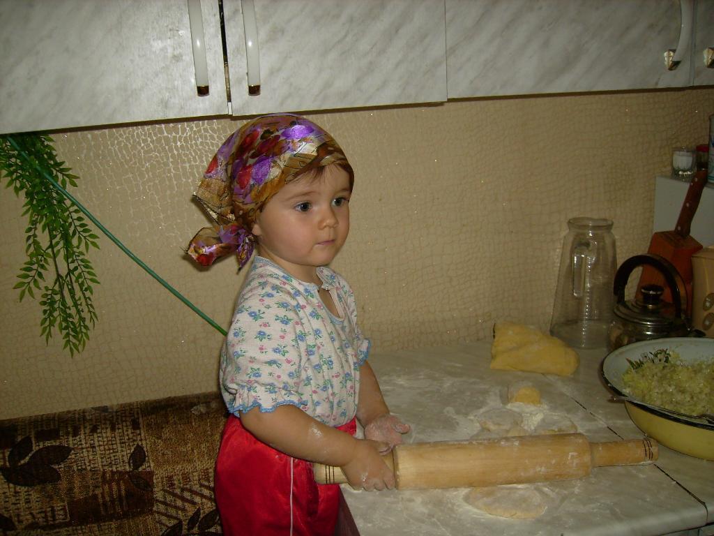 Королева кухни!!!!. Закрытое голосование фотоконкурса 'Готовим вместе с мамой'